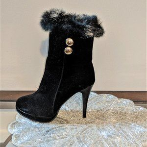 Shoes - Women's Black Classic Ankle Fall/Winter Booties